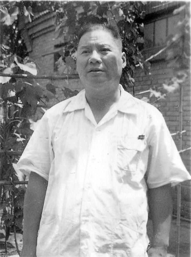 1942大学毕业.jpg